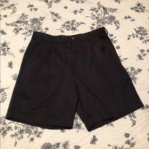 Men's Izod microfiber shorts in EUC